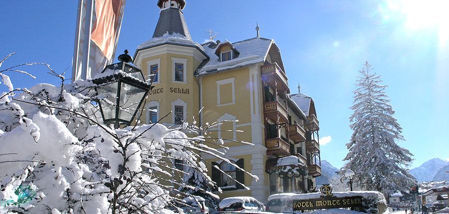 italy_dolomites_kronplatz_hotel-monte-sella_exterior.jpg